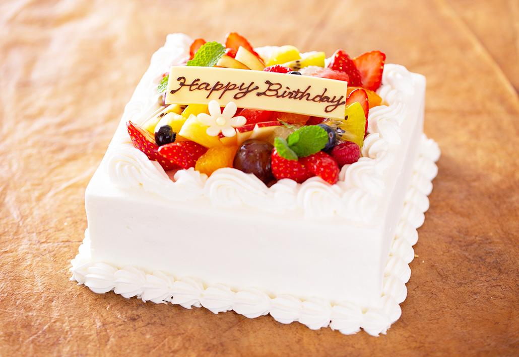 生クリームデコレーションケーキ スクエアタイプ 公式 ラ パティスリー ダリオール